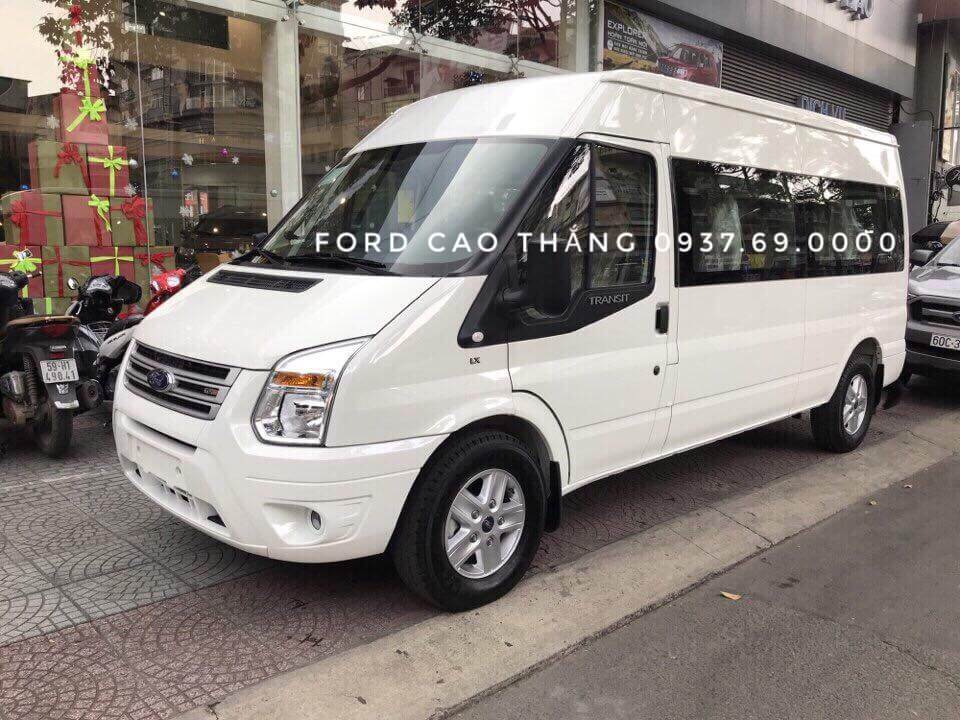 Xe Ford Transit 2019