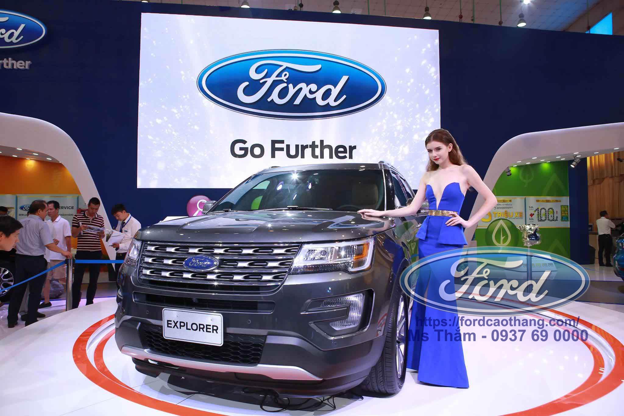 Ford Explorer 2019 màu xám
