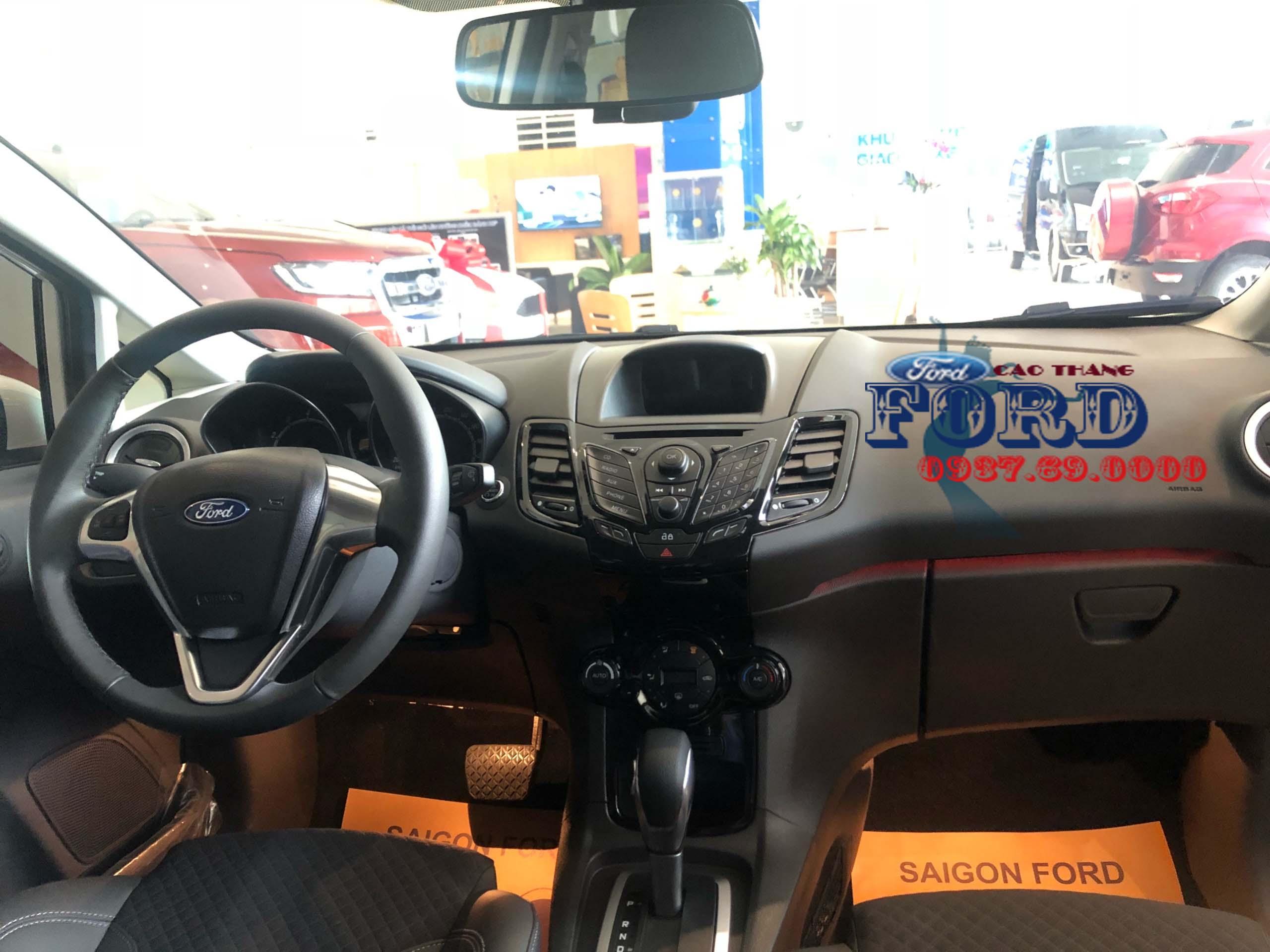 Taplo xe ford fiesta 2019