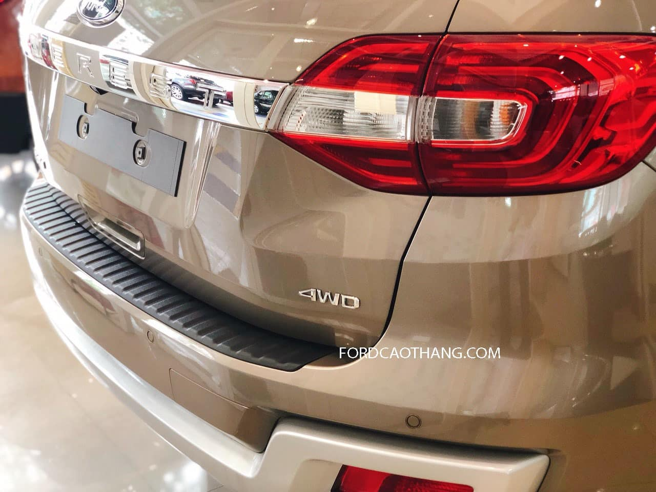 Ford Everest 2020 2 cầu