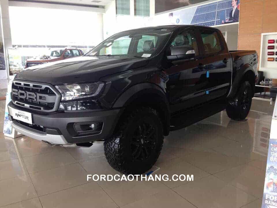 Ford Ranger Raptor màu đen