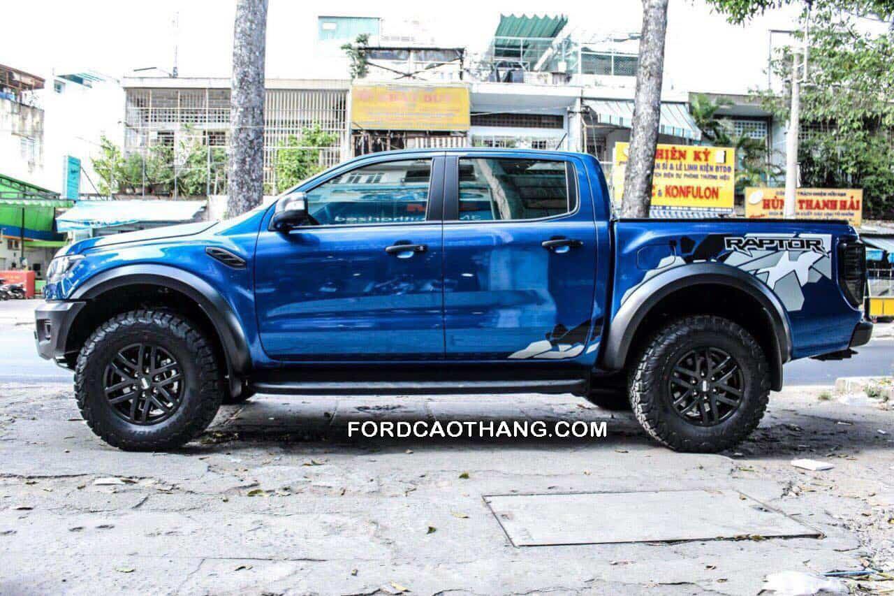 Ford Ranger Raptor 2020 màu xanh