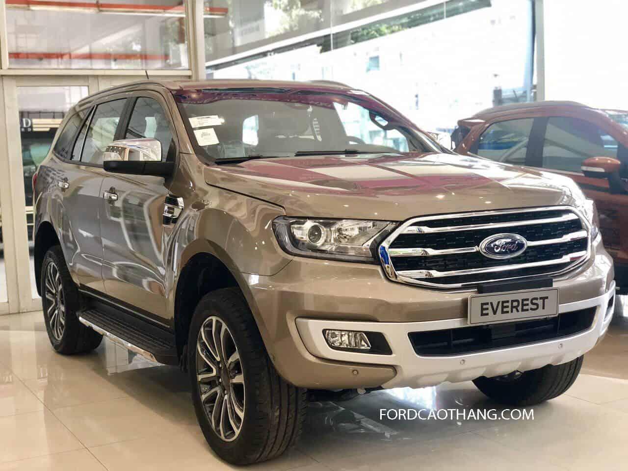 Mua xe Ford Everest 2020