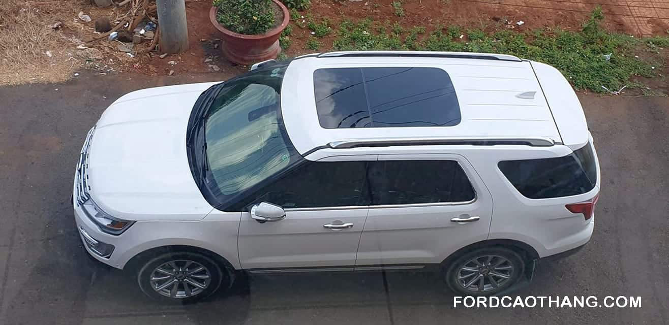 Mua xe ford explorer 2020