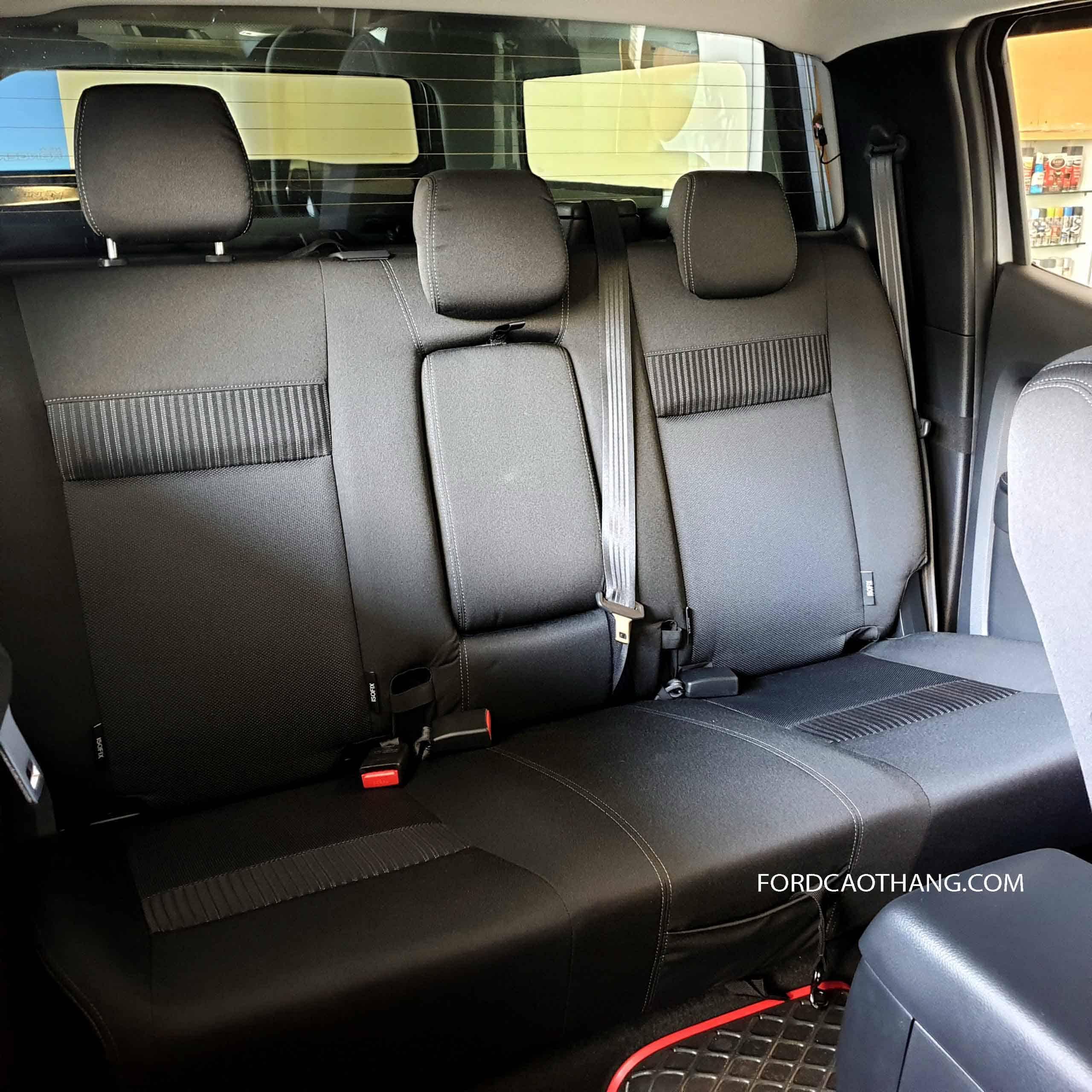 Hàng ghế sau Ford bán tải