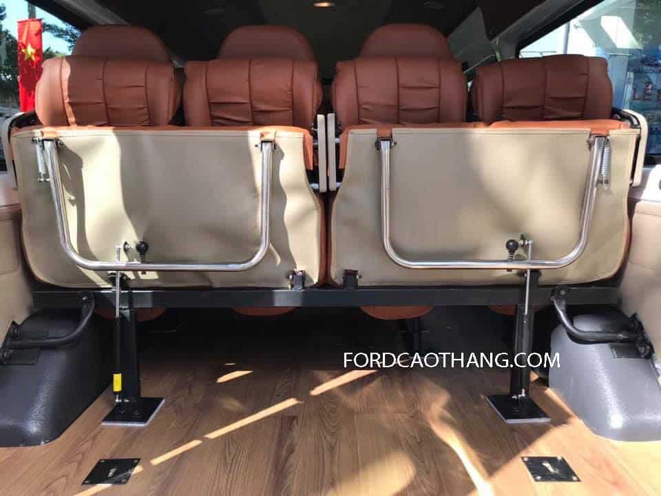 Nội thất Ford Transit 16 chỗ