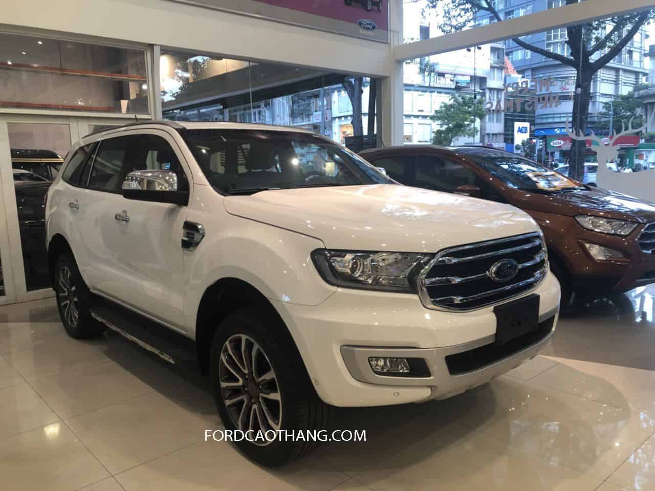 Thân xe Ford Everest 2020