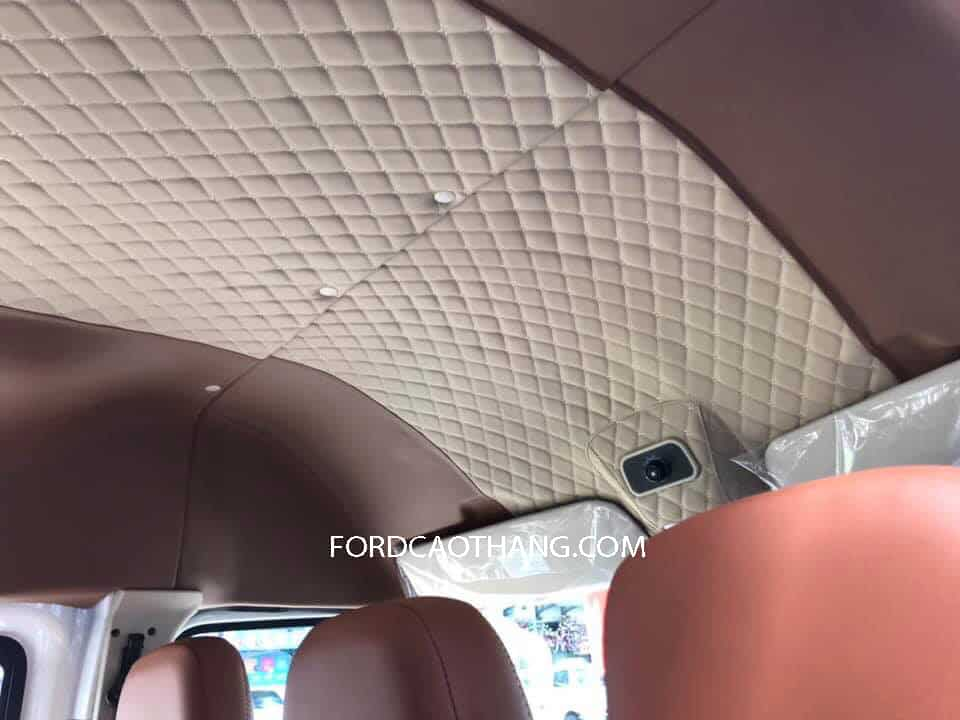 Trần xe Ford Transit 16 chỗ