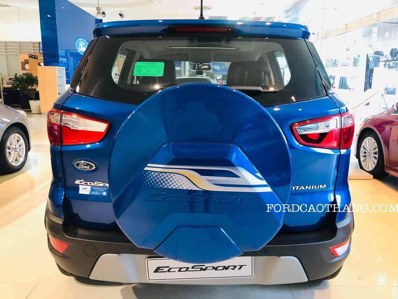 Đuôi xe ford ecopsort titanium 2020