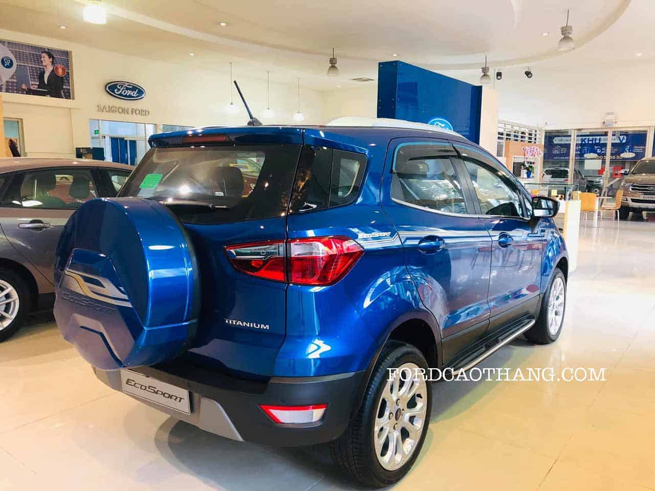 Giá xe ford ecopsort titanium 2020
