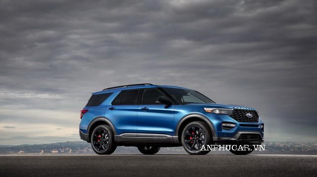 Ford Explorer Limited giảm giá mạnh