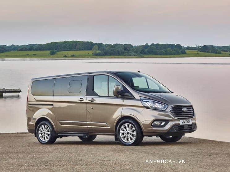 Mua xe Ford Tourneo 2020