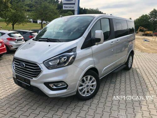 Mua xe Ford Tourneo 2020 giá bao nhiêu