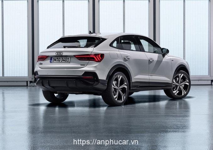 Audi Q3 2020 guong chieu hau