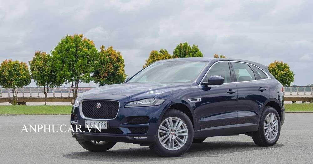 Jaguar F-Pace thế hệ 2020 giá xe