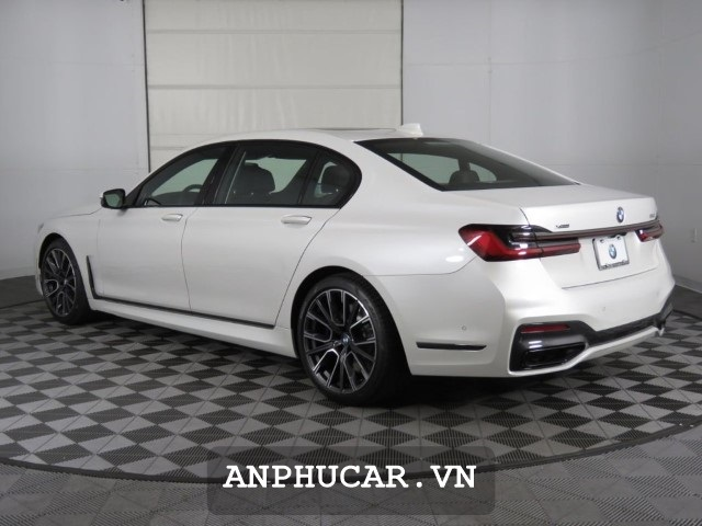 BMW 5- Series 2020 Duoi Xe