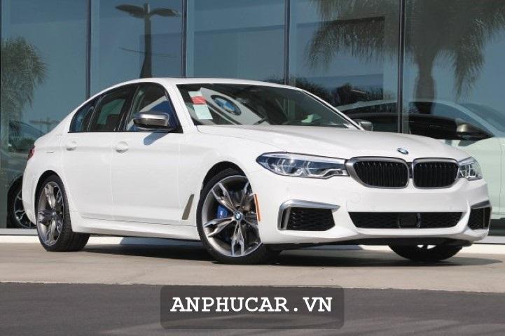 BMW 5- Series 2020 Gia Ban