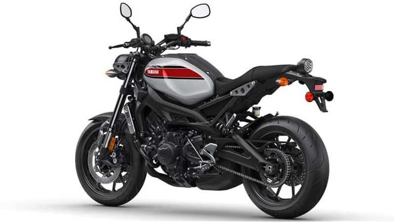 Yamaha XSR900 duoi xe