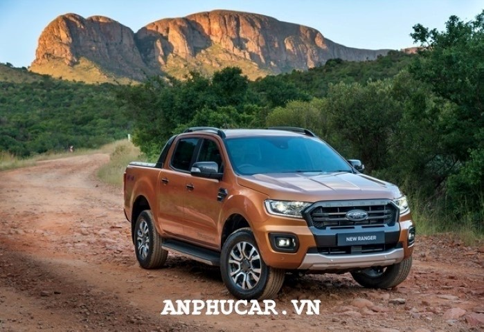 Gia lan banh Ford Ranger XLS 2.2L 4x2 AT 2020