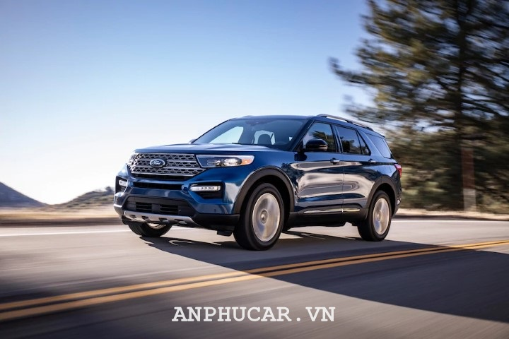 Gia lan banh Ford Explorer Limited 2020