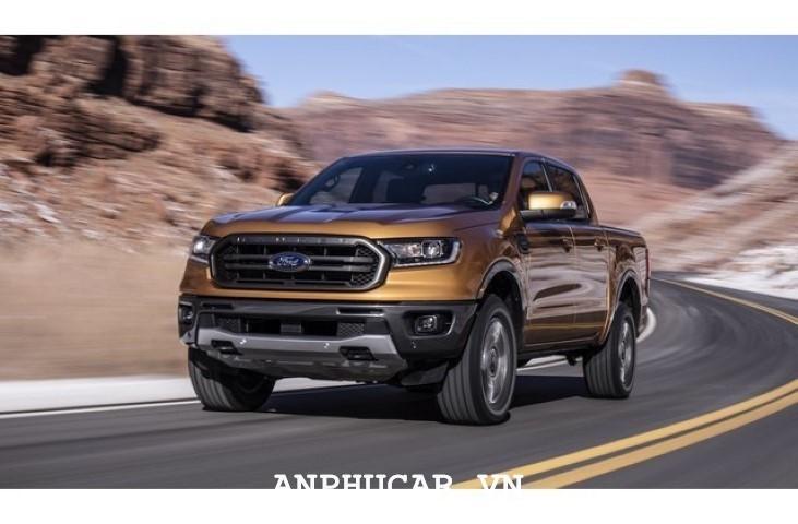 Gia lan banh Ford Ranger XLT 2.2L 4x4 AT 2020