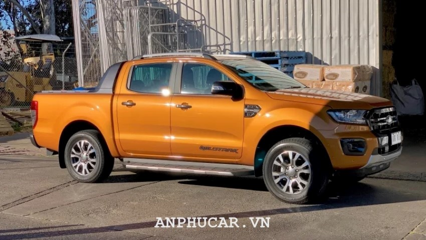 Gia Ford Ranger Wildtrak 2.0L 4X2 AT 2020