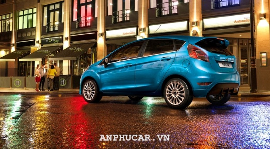 Duoi xe Ford Fiesta 1.5L AT Sport 2020
