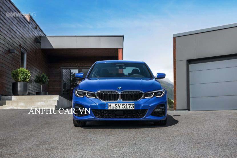 Mua xe BMW 330i 2020