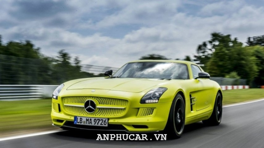 Xe dien dat nhat Mercedes-Benz SLS AMG Electric Drive