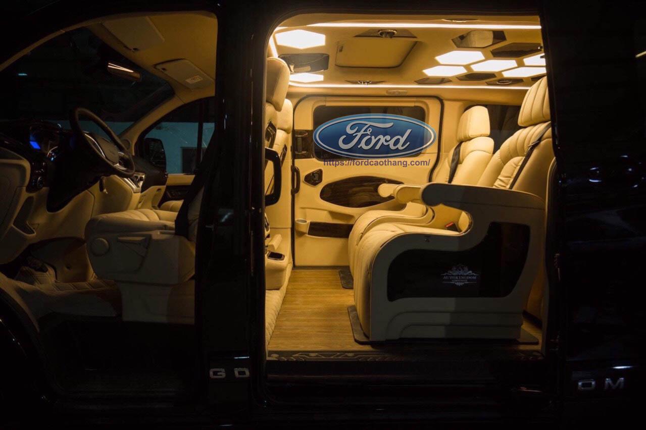 khong gian limousine 7 cho