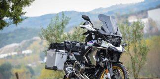 BMW R1250GS 2020 mau xe di phuot chat luong