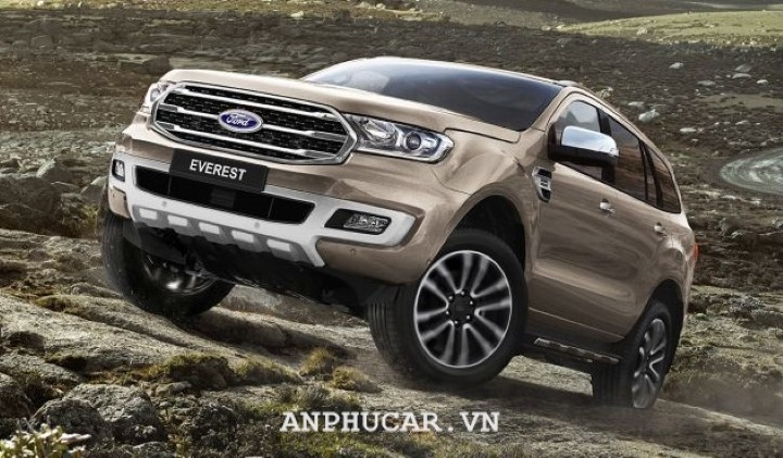 Ford Everest Trend 2.0L AT 2020 gia lan banh