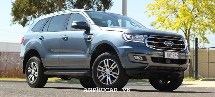 Ford Everest Trend 2.0L AT 2020 khuyen mai