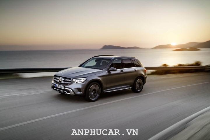 Mercedes-Benz GLC 2020 nang cap hien dai