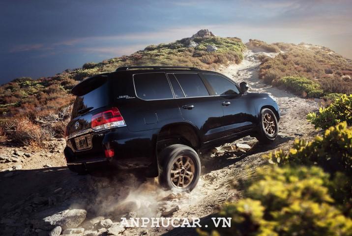 Toyota Land Cruiser 2020 gia xe lan banh bao nhieu