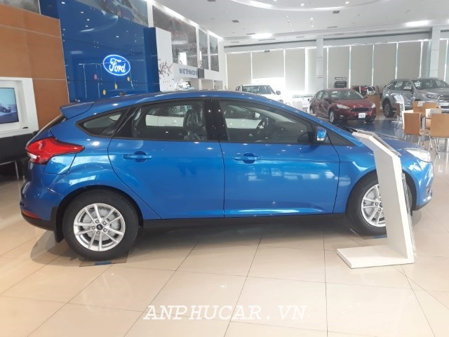 Ford-focus-hatchback