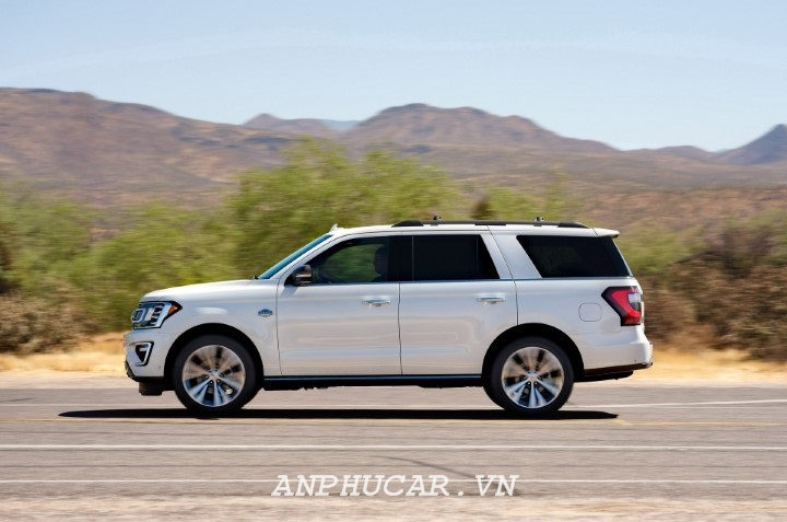 gia xe ford expedition 2020