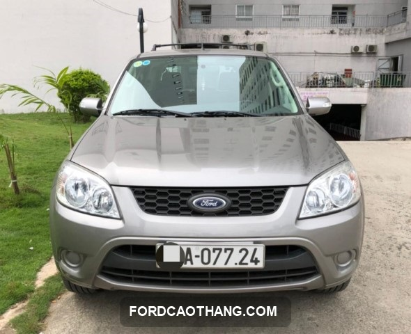 ban xe ford escape 2013