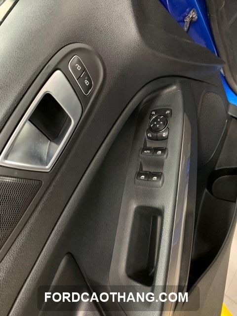 chuc nang khoa tre em ford ecosport 2021