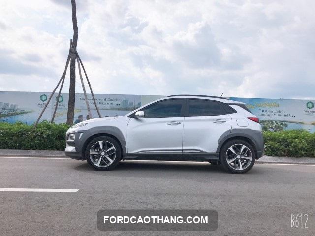 gia xe Hyundai Kona 2019 cu