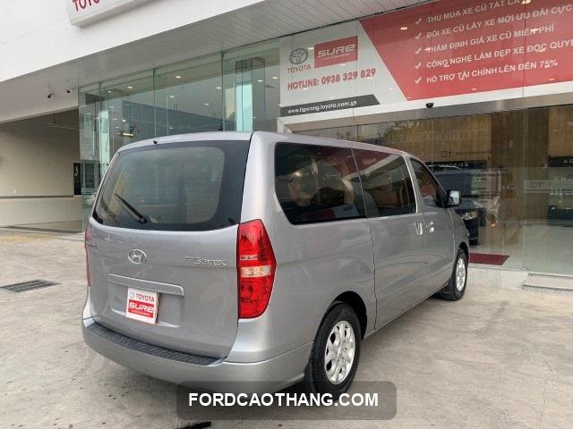 ngoai that xe Hyundai H1 Starex 2015