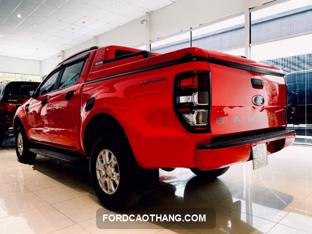 Ford Ranger XLS AT 2016 do tuoi