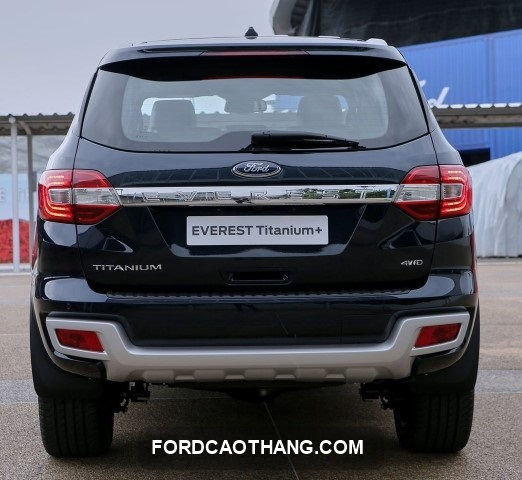 ngoai that Ford Everest 2021