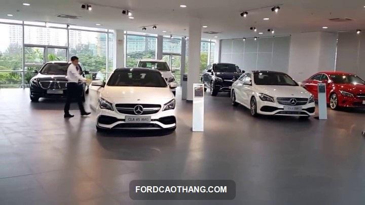 showroom xe Mercedes Phú Mỹ Hưng