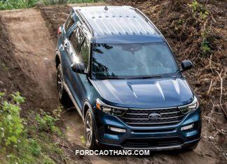 gia xe ford explorer 2022