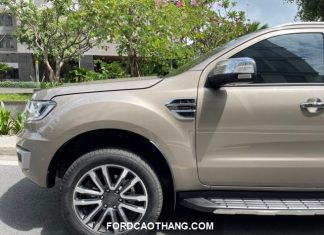 gia xe Ford Everest luot 9000km