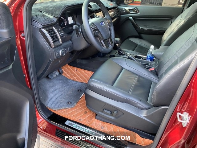 xe Ford Everest luot 2021