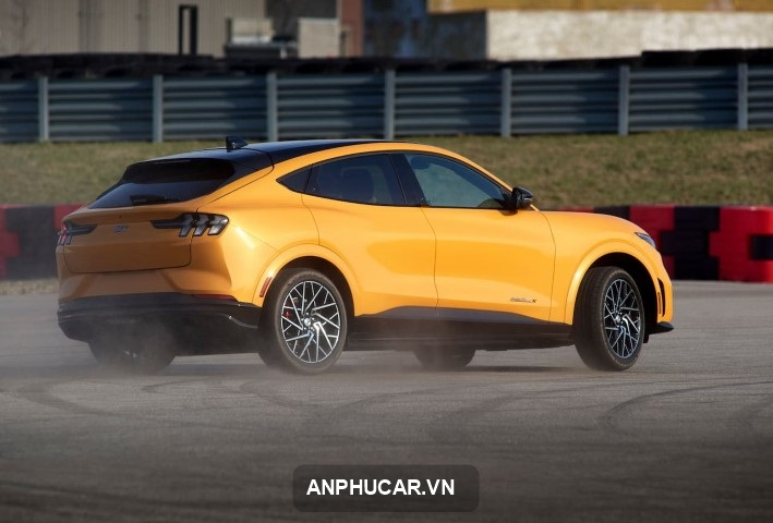 Ford Mustang Mach-e 2022