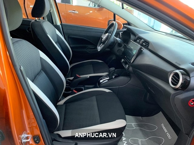 Nissan Almera 2022 khoang lai