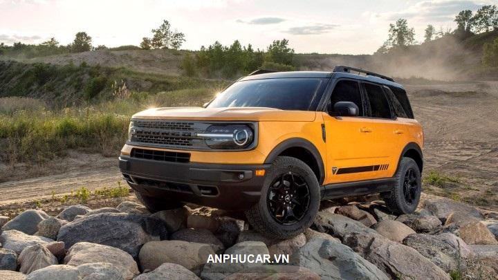 gia xe Ford Bronco 2022